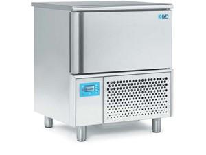 Schockfroster ISA T5 SP:      Abmessungen:  B 800/ T 700/ H 920     Fassungsvermögen/Inhalt:  5 S