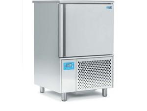 Schockfroster ISA T8 VT SP GEL:     Abmessungen: B 800/ T 790/ H 1270    Fassungsvermögen/Inhalt: 12 Eis